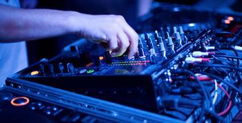 DJ y karaoke para fiestas